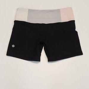 Size 6 - Lululemon Groove Shorts
